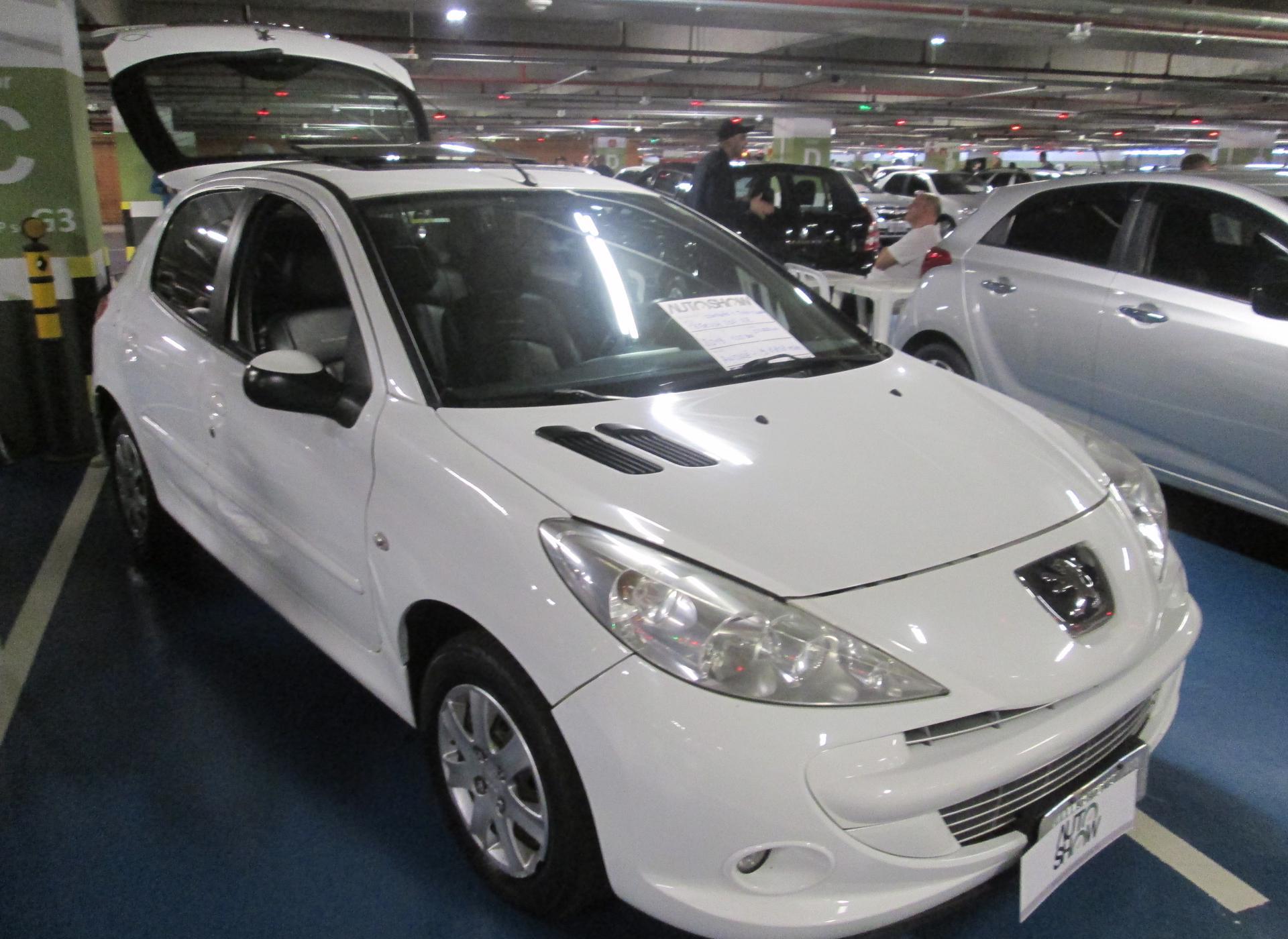 Feirão Auto Show Shopping ABC - PEUGEOT 207 XR 1.4 FLEX 8V 5P 2013-2013
