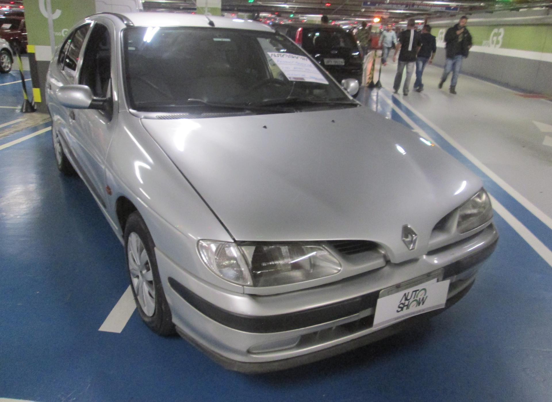 Feirão Auto Show Shopping ABC - RENAULT MEGANE SEDAN RT/ALIZÉ 1.6 16V 1999-2000