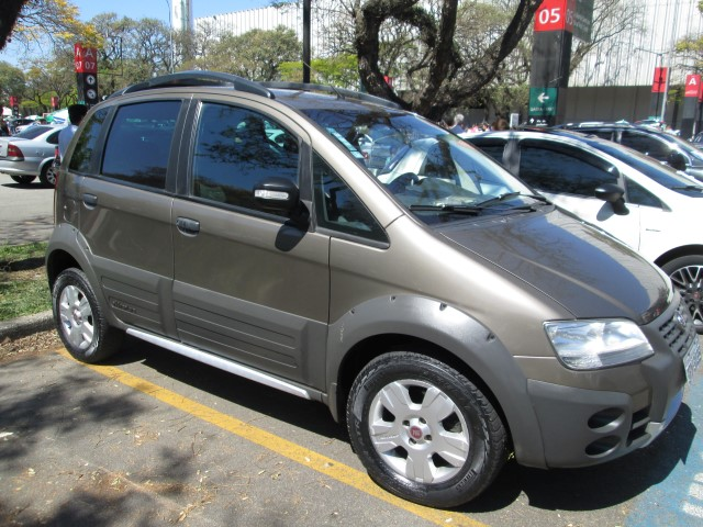 Comprar carro fiat idea no feir o auto show for Fiat idea 2009 precio