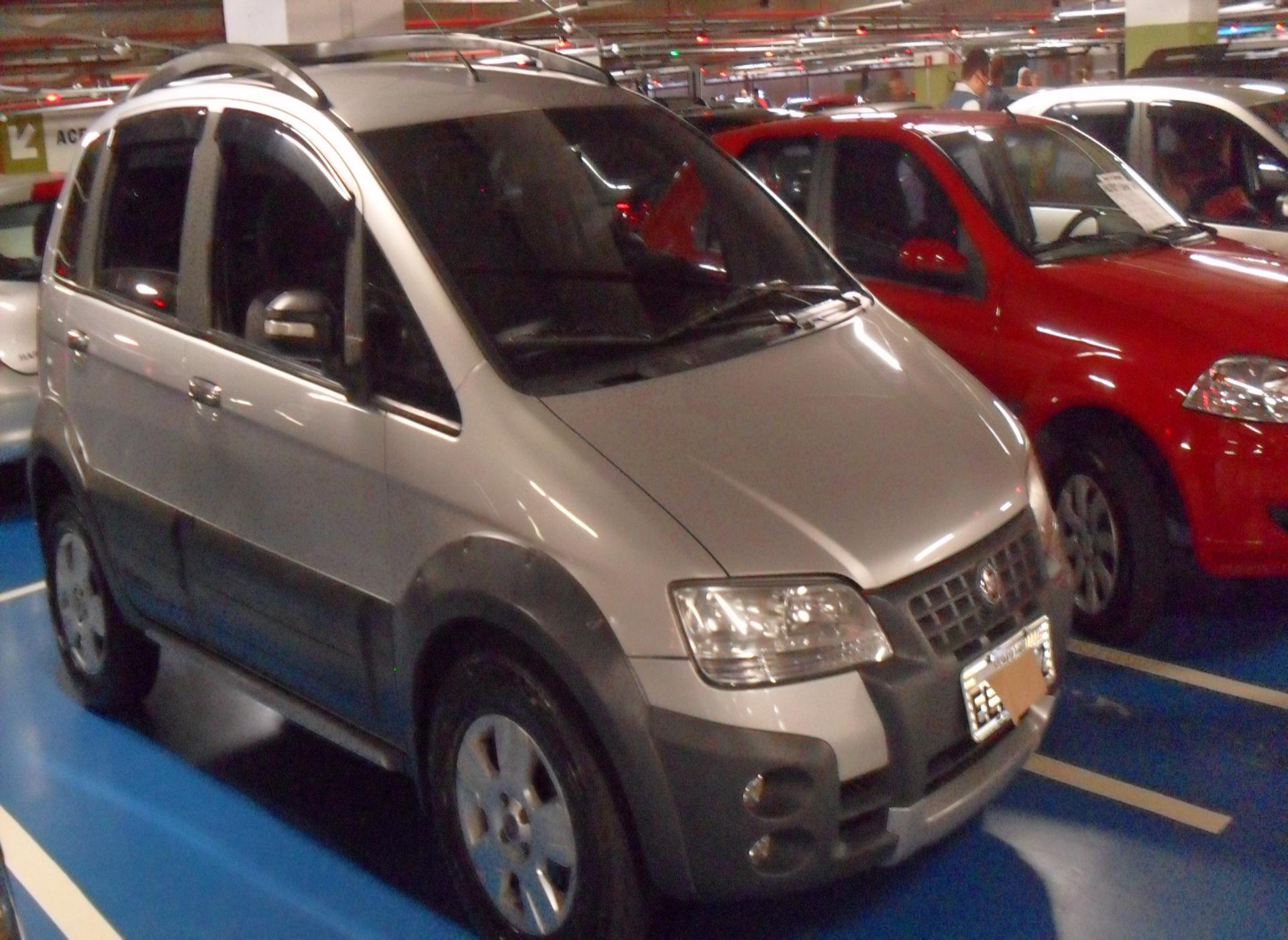 Feirão Auto Show Shopping ABC - FIAT IDEA ADVENT./ ADV.LOCKER 1.8 MPI FLEX 5P 2010-2010